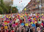 Ireland Becomes The First Country To Legalise Gay Marriage By The Vote