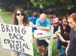 Couple Finds Creative Way To Counter-Protest At Abortion Clinic