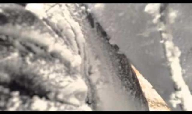 Terrifying Mount Everest Avalanche, Caught On Video