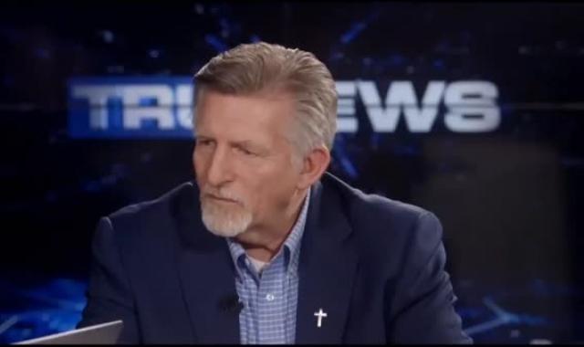 Nutjob Rick Wiles Wants Trump To Shoot Liberals