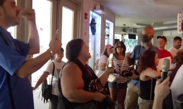 Anti-Mask Covidiots Protest In Florida Grilled Cheese Bar