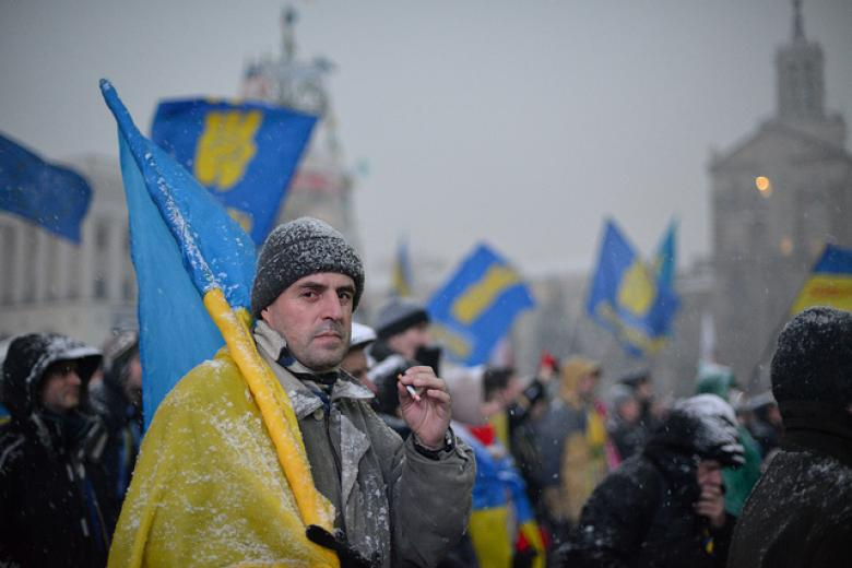 Ukrainian Protesters Force Police Retreat After Raid