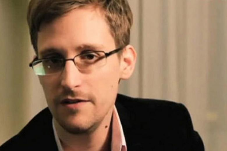 NY Times 'Uses' Scare 'Quotes' To Highlight How 'They' Don't 'Understand' How Snowden 'Copied' Documents