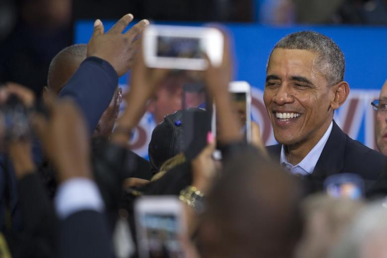 Obama Speaks To Packed Rally With Overflow Crowd, Reuters Turns It Against Him