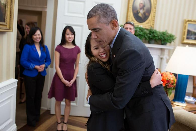 With Just A Hug, Obama Destroys Republican Fear-Mongering Over Ebola