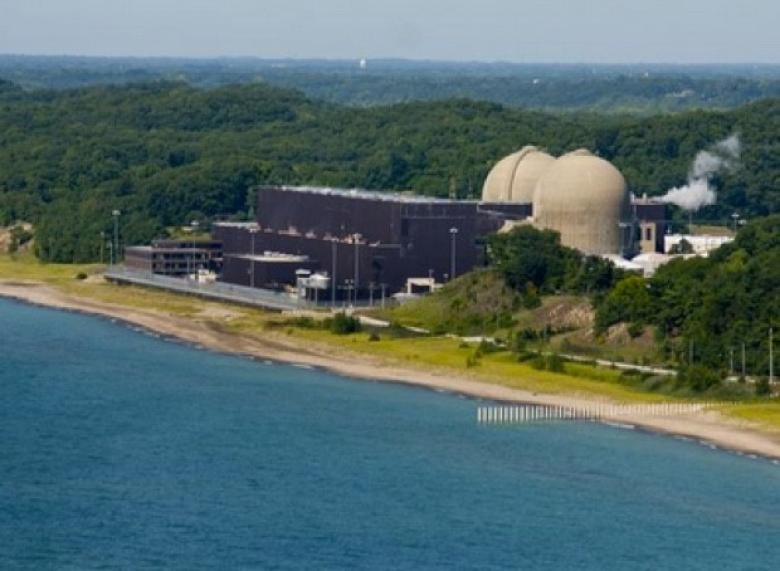 MI Nuclear Plant Leaked Oil Into Lake Michigan For Two Months