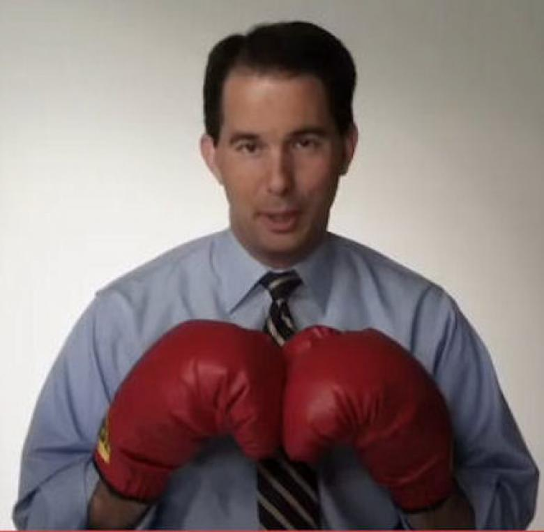 Scott Walker Attacks Hillary Clinton And Loses