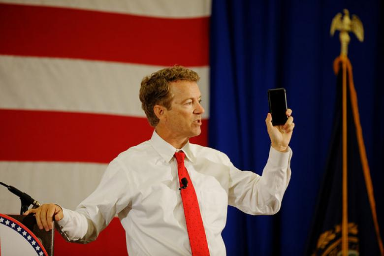 Rand Paul Strokes Troubled Brows Of Conspiracy Theorists In Texas