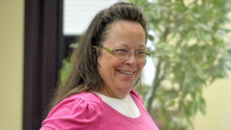 KY Clerk Defies SCOTUS, Still Refuses To Issue Marriage License