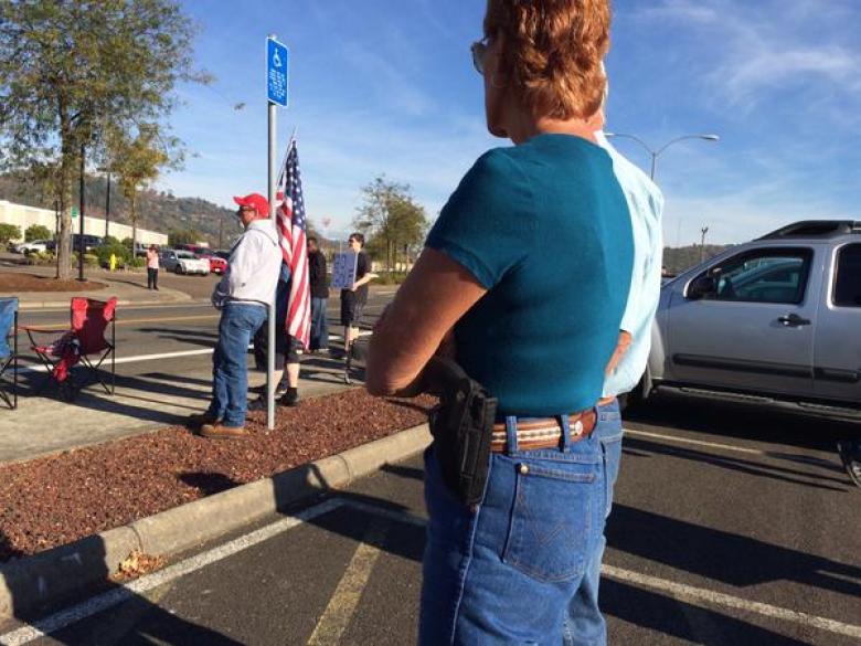 Hostile Open-Carrying Gun Defenders Wait To Greet Obama In Oregon