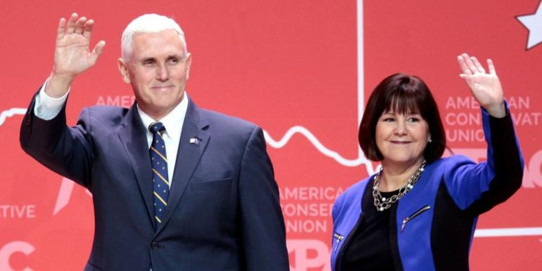 Former Trump Campaign Aide: Karen Pence Finds Trump 'Totally Vile'