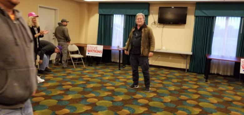 Steve Bannon Draws Mega Crowd Of 17 In Topeka