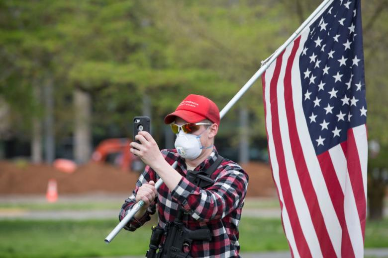 Right-Wing Protesters Now Getting The Tea Party Treatment — Fawning Press Coverage
