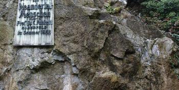 Neanderthal Bone Highlights Human Inter-breeding