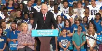 Warren Buffett Eviscerates Trump On The Campaign Trail