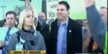 Alan Grayson Helps Walmart Worker Walk Off Job In 'Black Friday' Protest