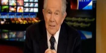 Pat Robertson Joins Ammo Conspiracy Theory: Feds 'Going Into Battle... Against Us'