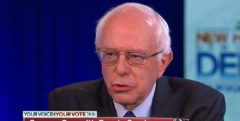 Bernie Sanders Calls Out Fearmongering 'Pathological Liar' Donald Trump