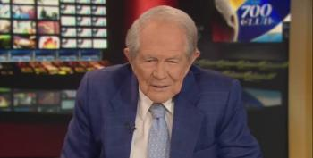 Pat Robertson Takes 'Notice' Of Melania Trump's Beauty