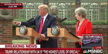 Trump Disses CNN Again While Lapdog Press Lets Him