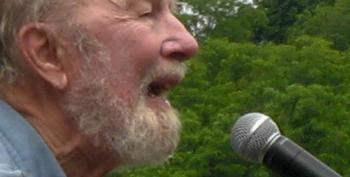 US Folk Singer Pete Seeger Dies At 94