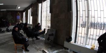 Oligarchs Recruited To Tame Eastern Ukraine