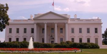 Armed Woman Arrested Outside The White House Just After Obama's Speech