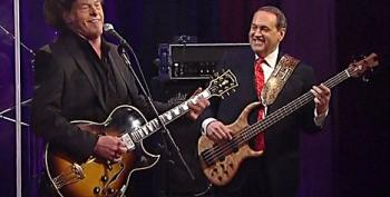 Huckabee Claims He Didn't See Nugent Controversy Coming