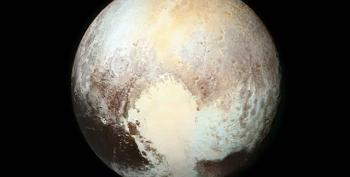 New Horizons 'Phones Home': Pluto Flyby Goes Smoothly