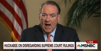 (Updated) Huckabee Proclaims Kim Davis Is Following Kentucky Law