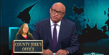 Larry Wilmore Rips Right Wing For Comparing Kim Davis To MLK