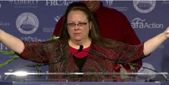 Kim Davis Descends On Values Voter Summit Like Female Jesus