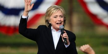 Clinton Tells Iowans That A GOP Return To The White House Would Damage The Economy