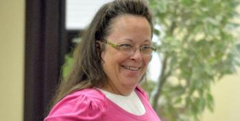 Kim Davis Finally Throws In The Towel On Marriage Licenses