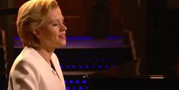 Kate McKinnon Plays Hillary Clinton Out On Leonard Cohen's 'Hallelujah'