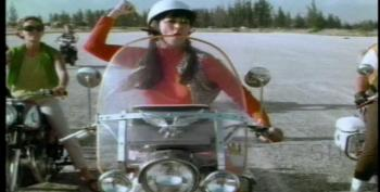 C&L's Friday Night Drive In: She Devils On Wheels