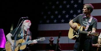 Willie Nelson Plans Concert For Beto While Cruz Sucks Up To Trump