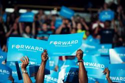 Forward-Not-back-Change-happens-barack-obama-30745434-640-426.jpeg