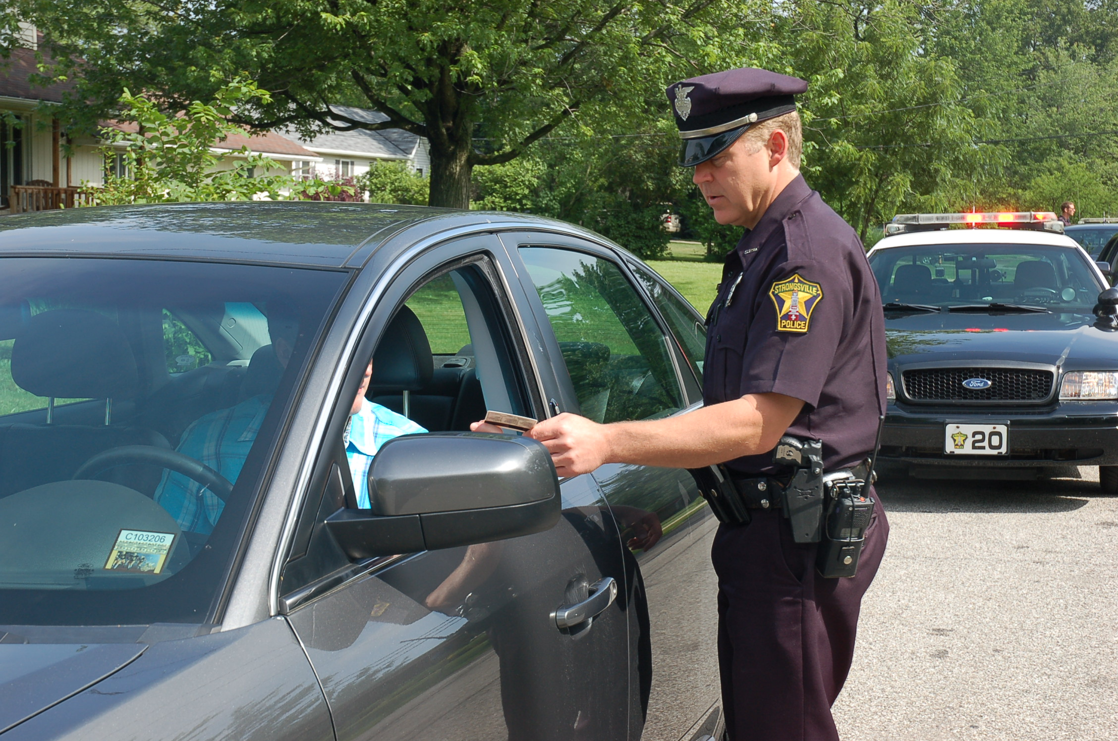 Lawsuit: Cop Preaches Jesus During Traffic Stop, Hands Woman Church Pamphlet