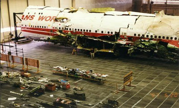 twa flight 800 essays What caused the crash of twa flight 800 in 1996 physics professors hailey and helfand of columbia university believe there is a reasonable possibility that a meteor.
