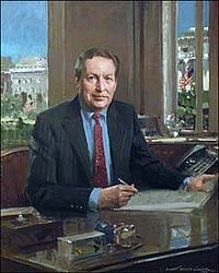 200px-Portrait_of_Lawrence_Summers_c0c58.jpg