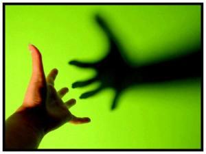 reaching out_8134e.jpg