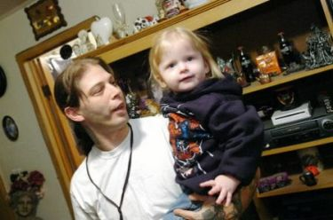 Aryan Nations Campbell and her daddy_34900.JPG