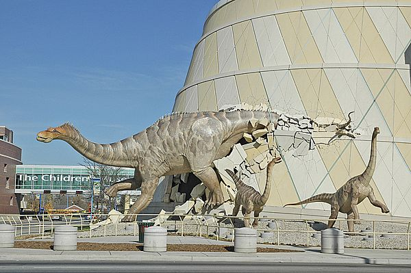 childrens-museum-of-indianapolis outside 1_767a7.jpg