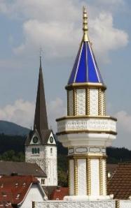 minaret-and-cross_97933.jpg