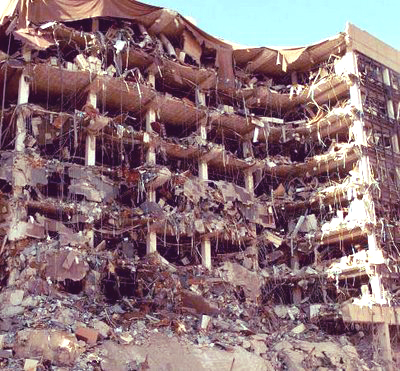 oklahoma-city-bombing-4_eaf56.jpg