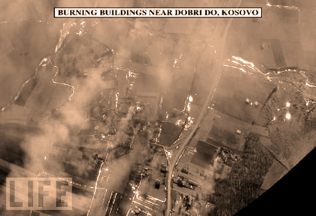 Kosovo-buildings-on-fire-19.jpg