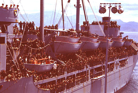 Troop-Ship-arriving-in-Viet.jpg