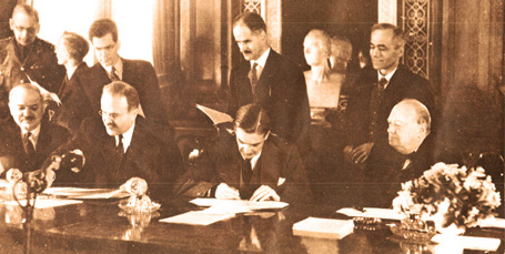 Signing-of-Anglo-Soviet-Pac.jpg