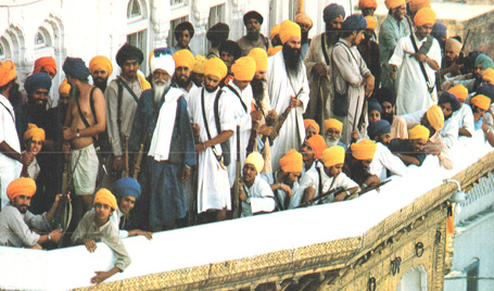 Sikhs-Outside-Golden-Temple.jpg
